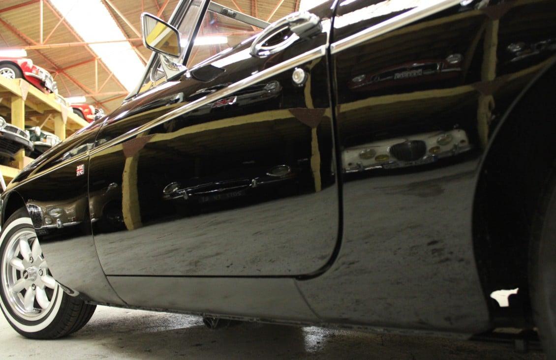 5d00eb2659cdbMG B Cabriolet.