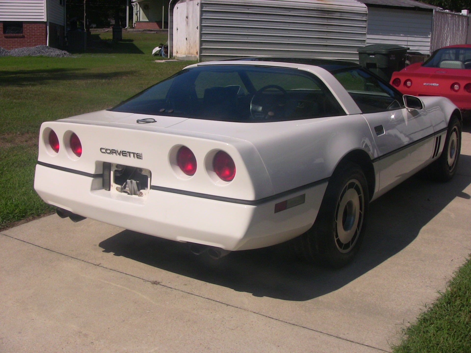 Used-1985-Chevrolet-Corvette (2)