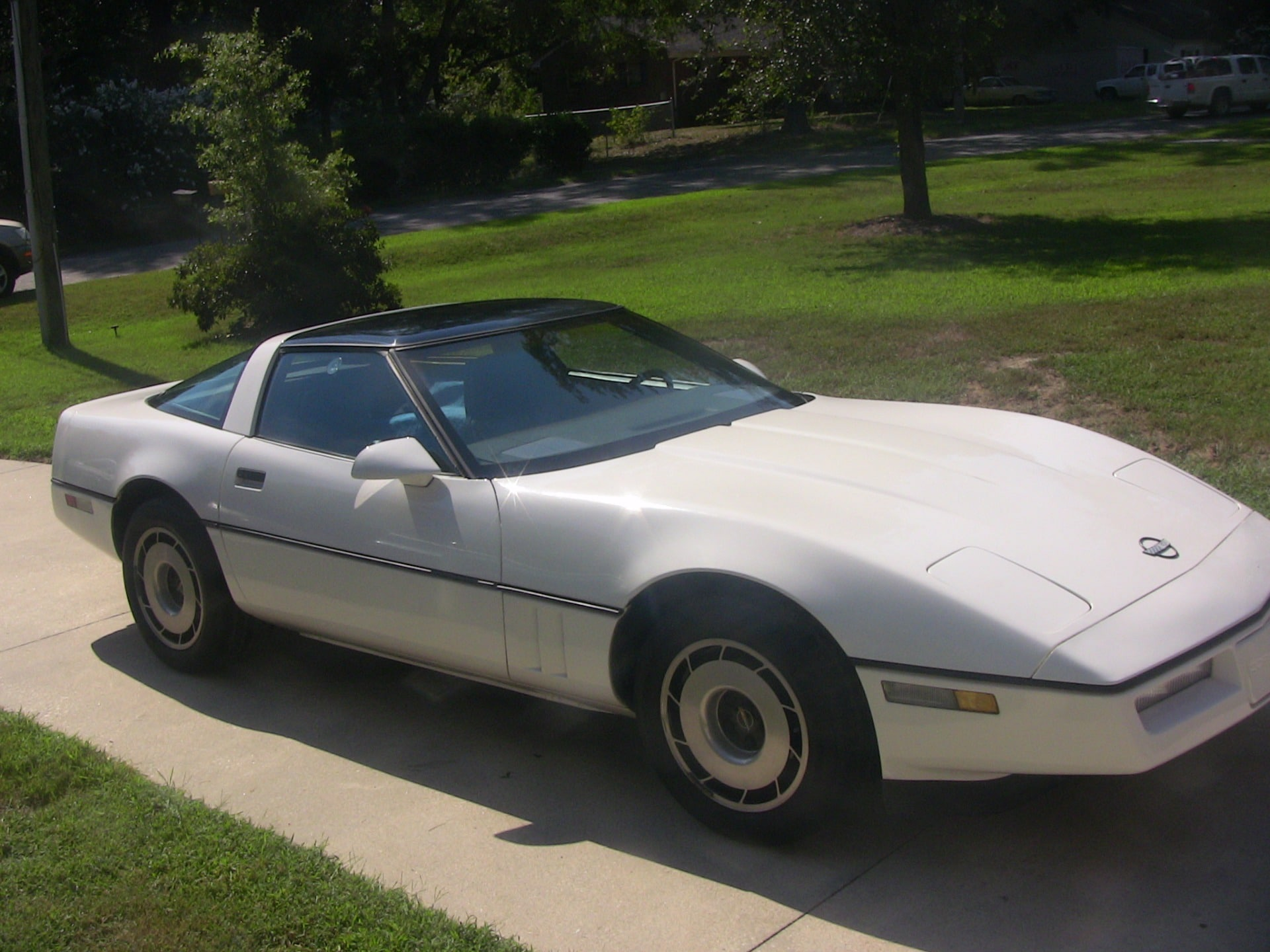 Used-1985-Chevrolet-Corvette (3)