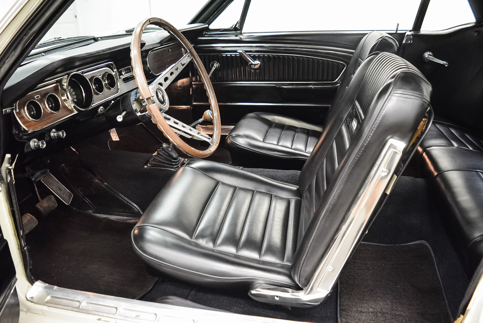 1965-ford-mustang (12)