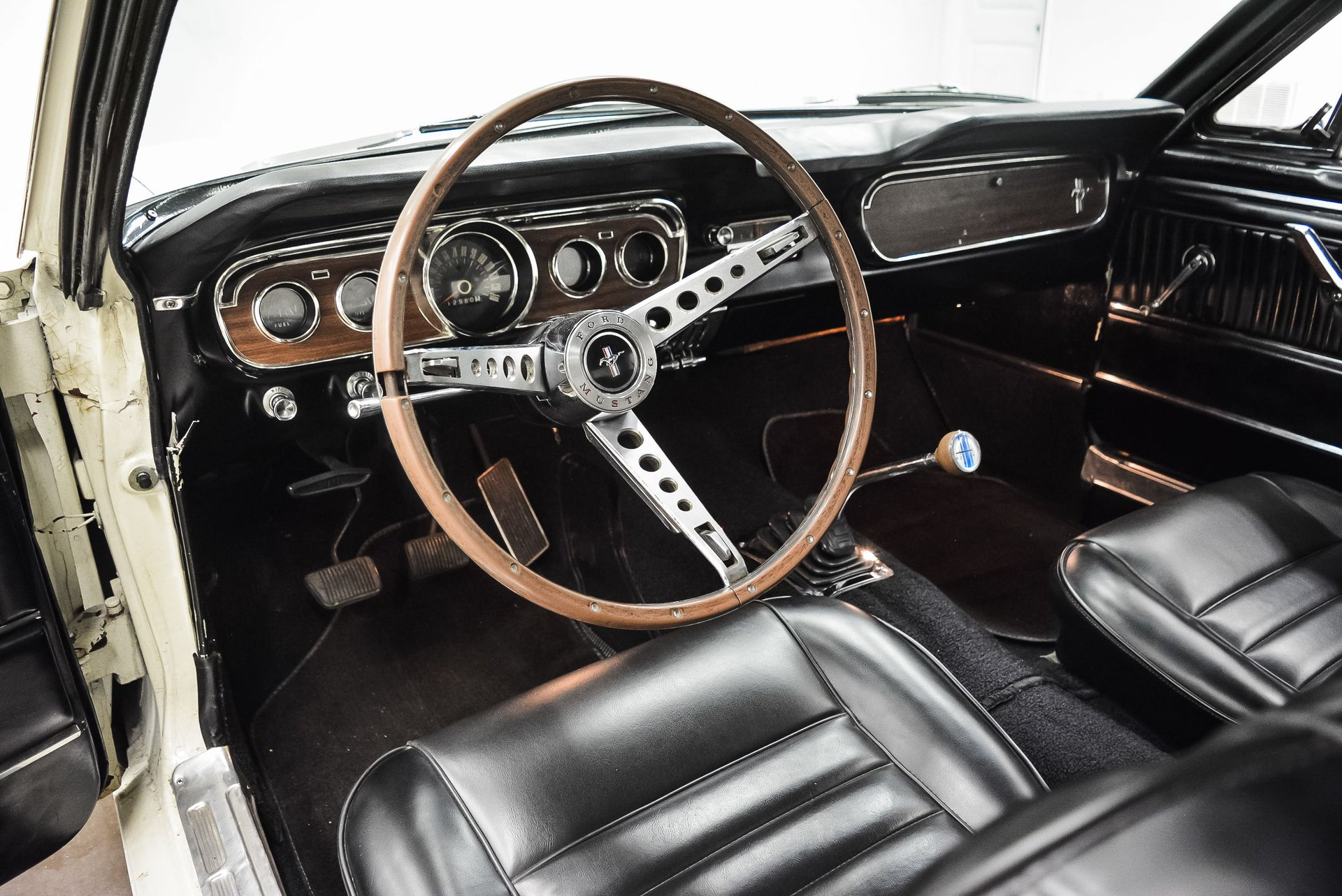 1965-ford-mustang (13)