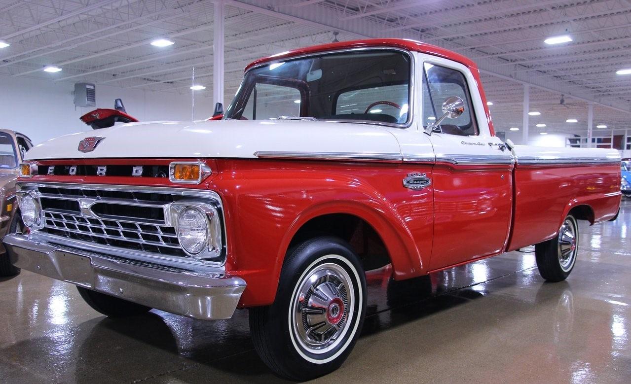 Ford F100 Ranger 1966.